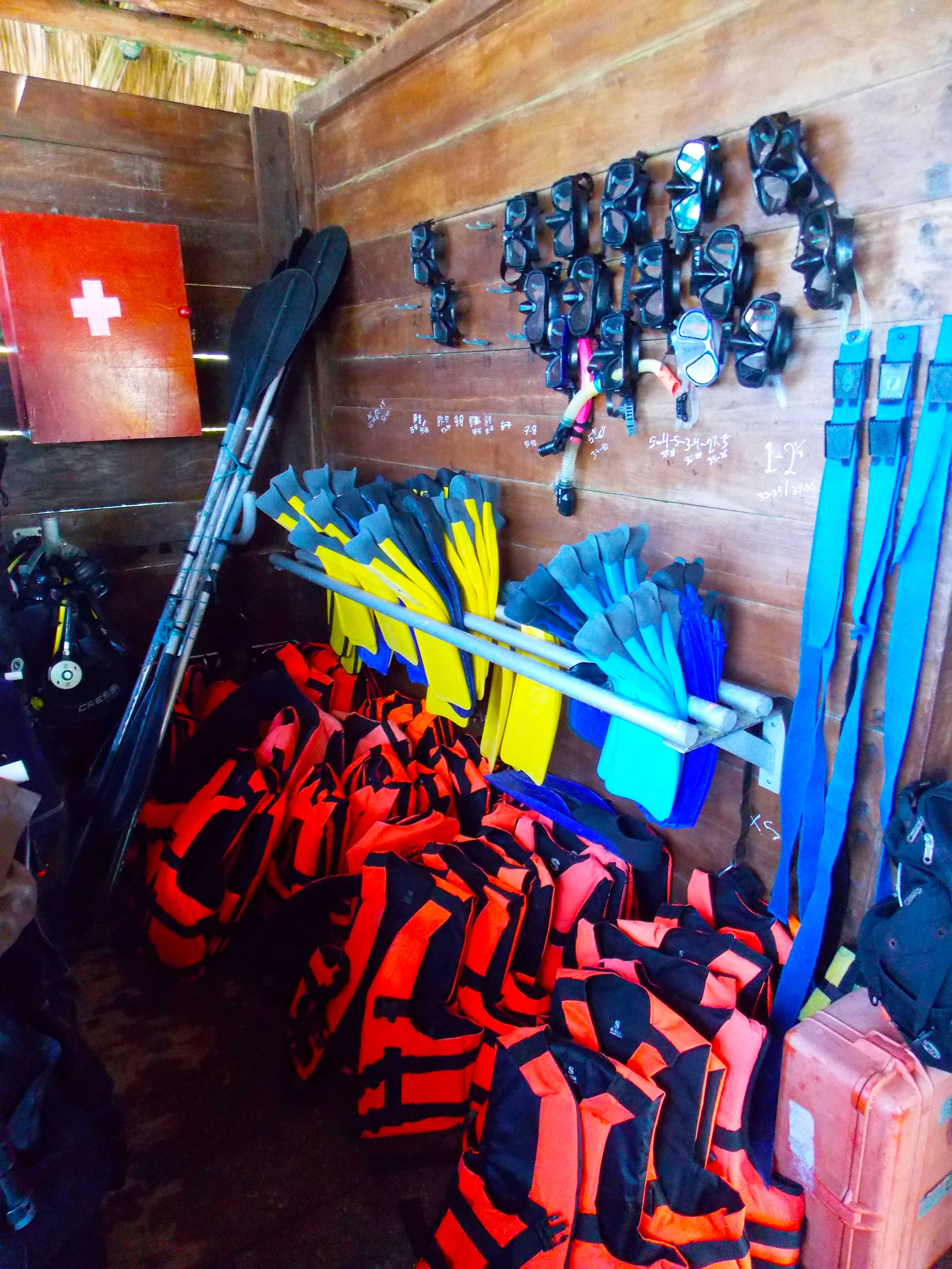 Everything you need to go diving or snorkeling!