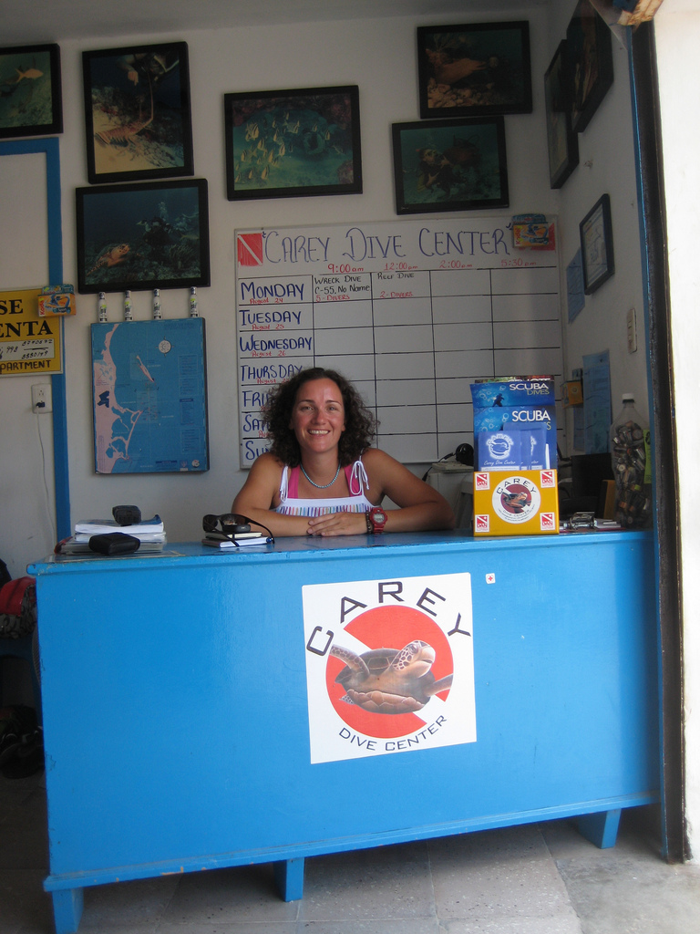 Scuba-Dive-Shop-Isla-Mujeres-CareyDive-Center-5