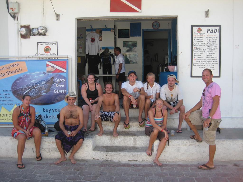 Scuba-Dive-Shop-Isla-Mujeres-CareyDive-Center-6