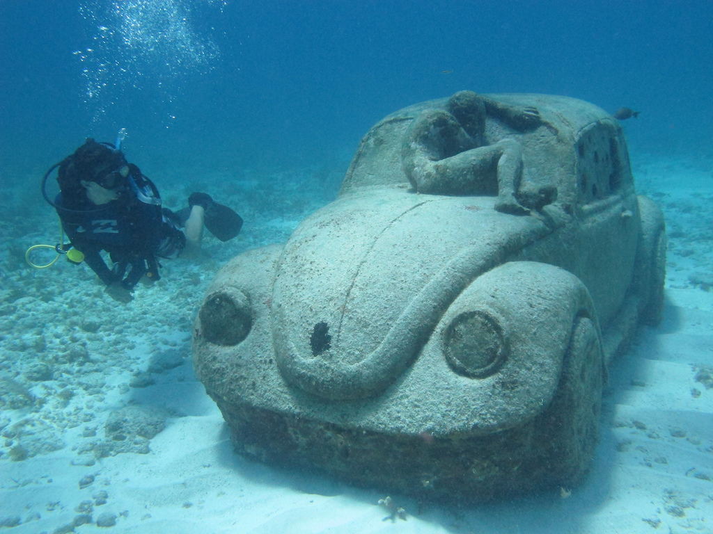 Scuba-Diving-Isla-Mujeres-MUSA-CareyDiveCenter-14