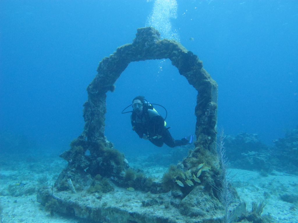 Scuba-Diving-Isla-Mujeres-Mexico-CareyDiveCenter-15