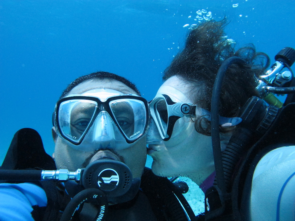 Scuba-Diving-Isla-Mujeres-Mexico-CareyDiveCenter-16