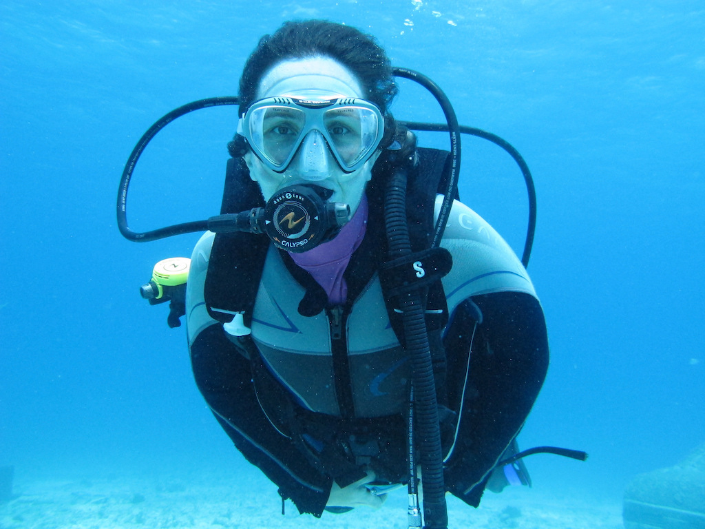 Scuba-Diving-Isla-Mujeres-Mexico-CareyDiveCenter-17