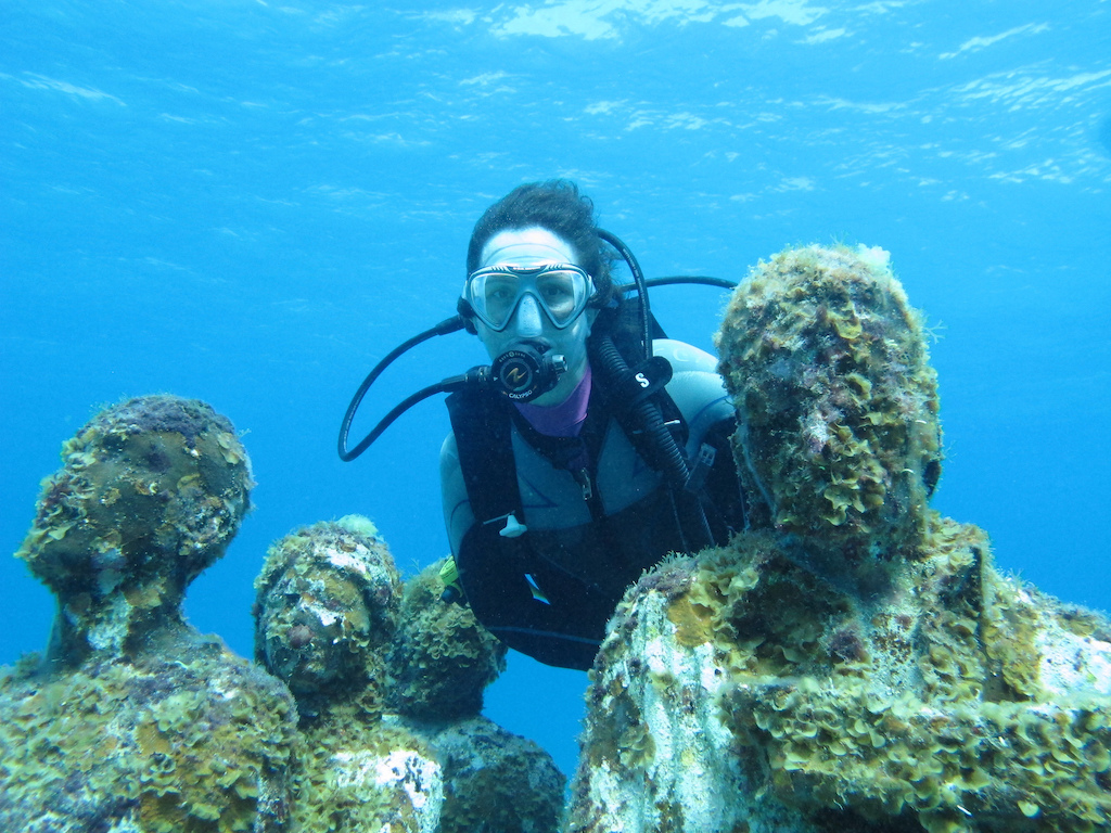 Scuba-Diving-Isla-Mujeres-Mexico-CareyDiveCenter-18