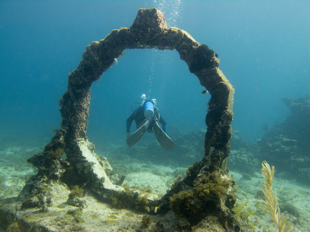 Scuba-Diving-Isla-Mujeres-Mexico-CareyDiveCenter-22