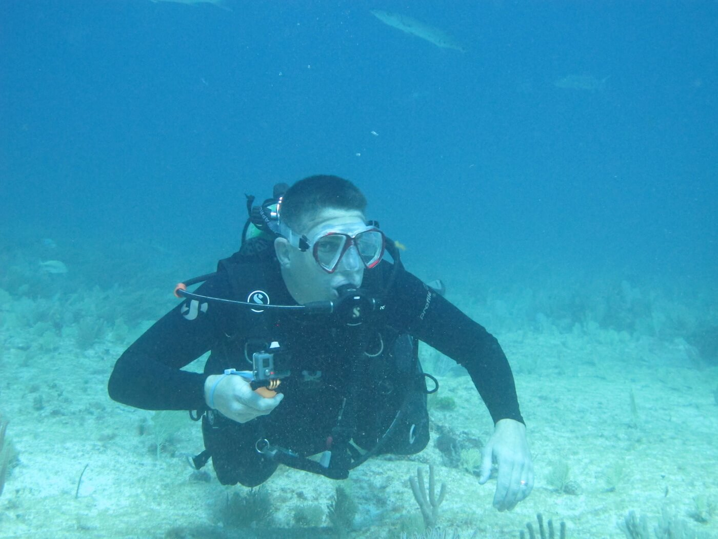 Scuba-Diving-Isla-Mujeres-Carey-Dive-Center-11