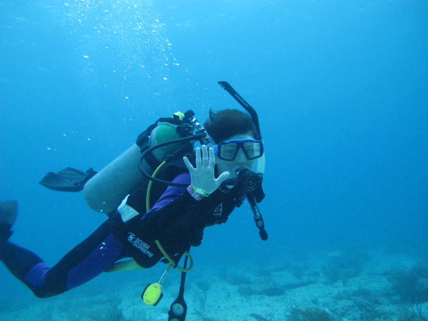 Scuba-Diving-Isla-Mujeres-Carey-Dive-Center-12