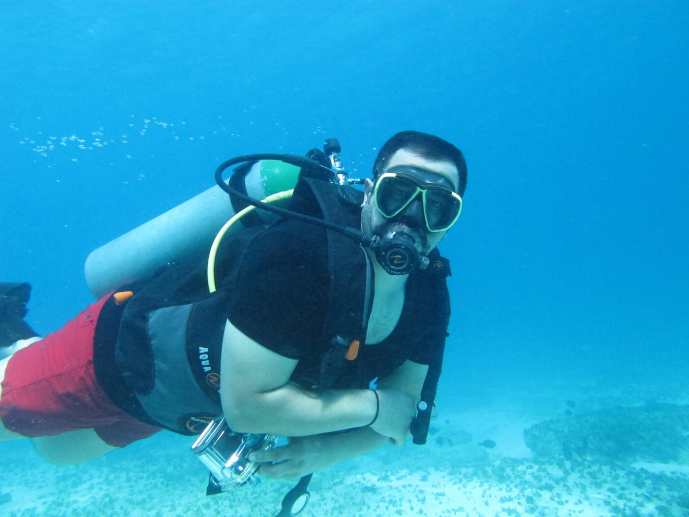 Scuba-Diving-Isla-Mujeres-Carey-Dive-Center-16