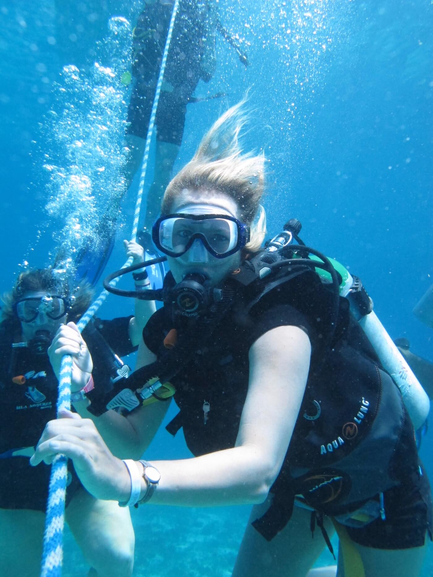 Scuba-Diving-Isla-Mujeres-Carey-Dive-Center-8