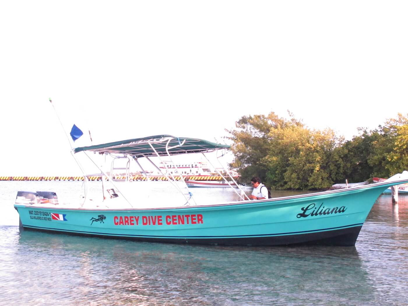 Snorkeling-Scuba-Diving-Trips-Isla-Mujeres-Carey-Dive-Center-4