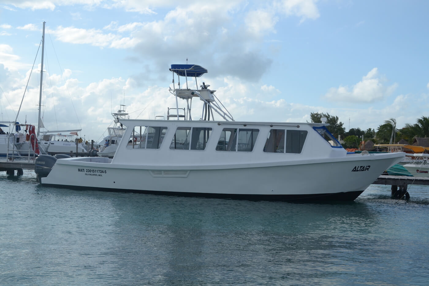 Cancun-Dive-Center-Carbbean-Connection-Dive-Boat-9