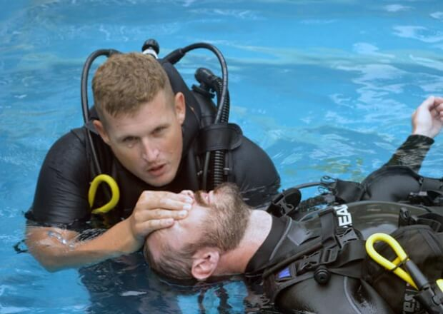First-Aid-Certification-Course-Cancun-Dive-Center-Riviera-Maya-3