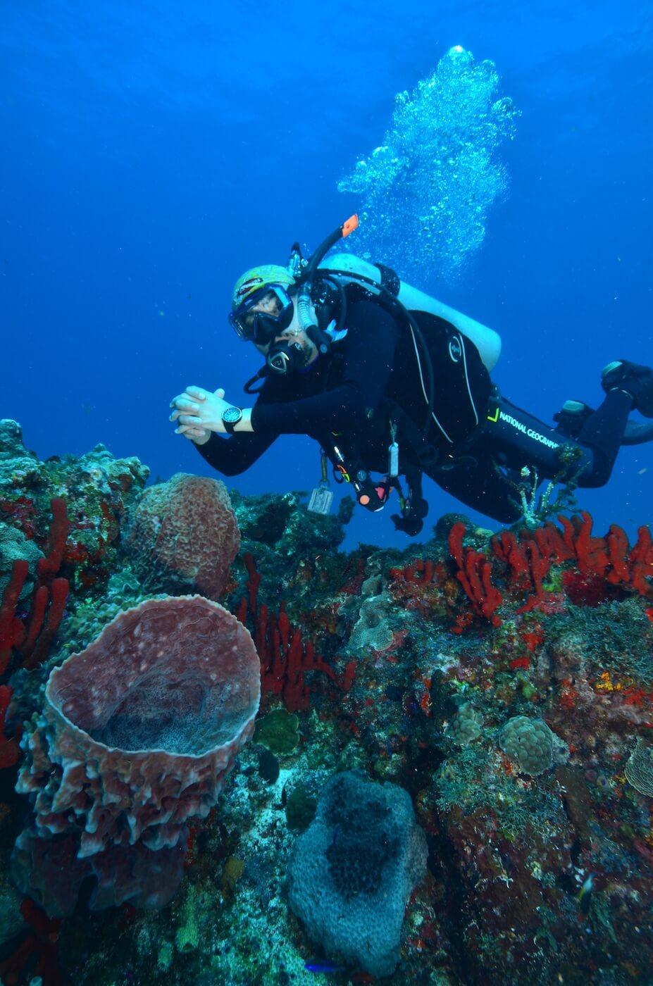 Scuba-Divers_Cancun-Dive-Center-Carbbean-Connection-14