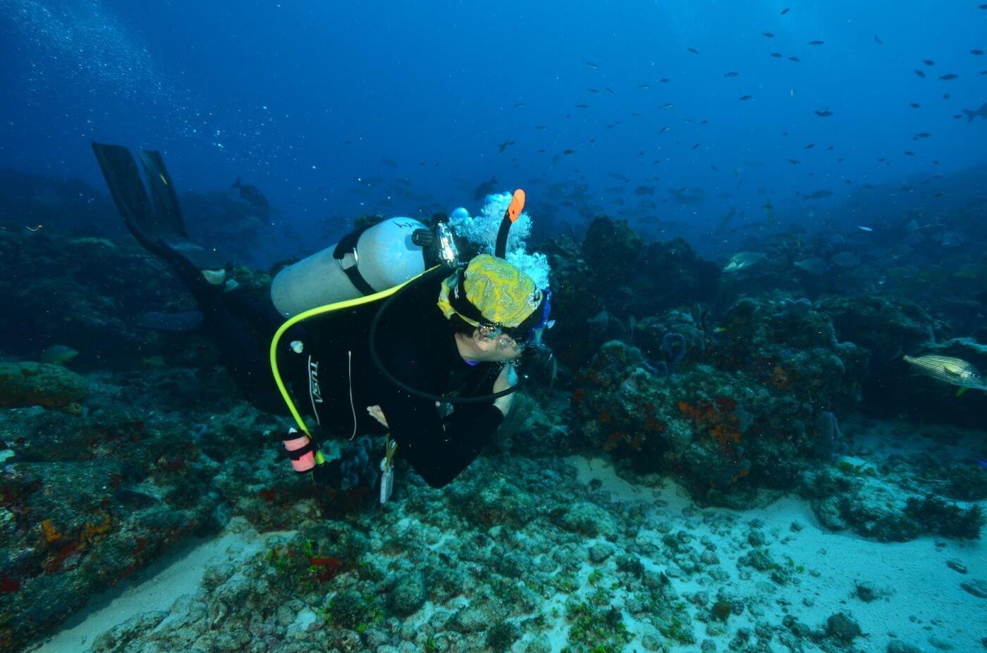 Scuba-Divers_Cancun-Dive-Center-Carbbean-Connection-3