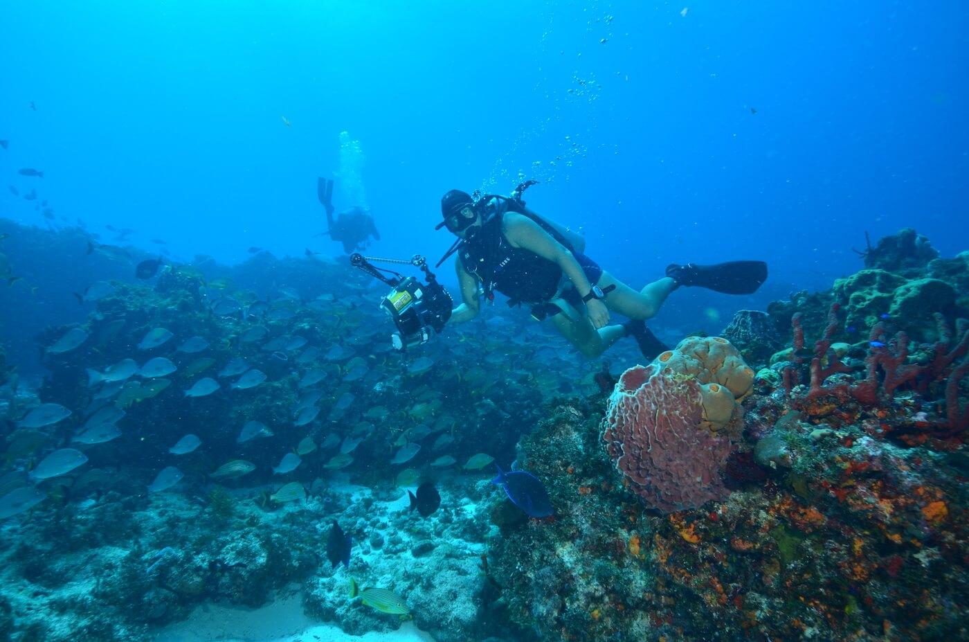 Scuba-Divers_Cancun-Dive-Center-Carbbean-Connection-5
