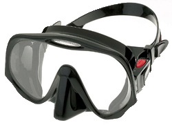 the-best-scuba-mask-atomic-aquatics-frm