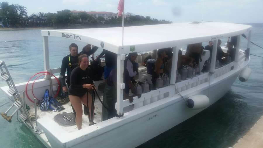 Roatan-Pro-Dive-Shop-Courses-Professional-Scuba-Diving-Tec-Certifications-17