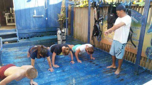 Roatan-Pro-Dive-Shop-Courses-Professional-Scuba-Diving-Tec-Certifications-29