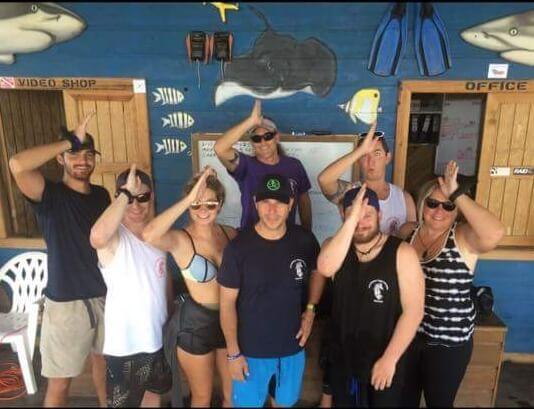 Roatan-Pro-Dive-Shop-Courses-Professional-Scuba-Diving-Tec-Certifications-54