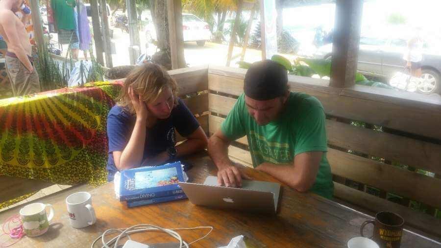 Roatan-Pro-Dive-Shop-Courses-Professional-Scuba-Diving-Tec-Certifications-6