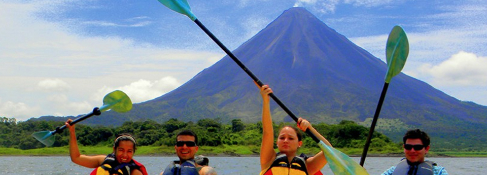 lake-arenal-kayaking