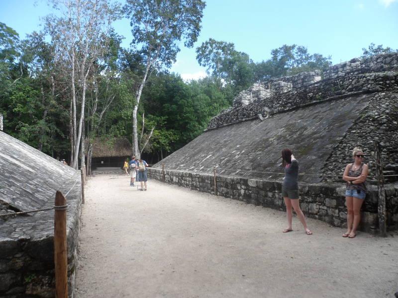 Isla-mujeres-trips-coba-tulum-5