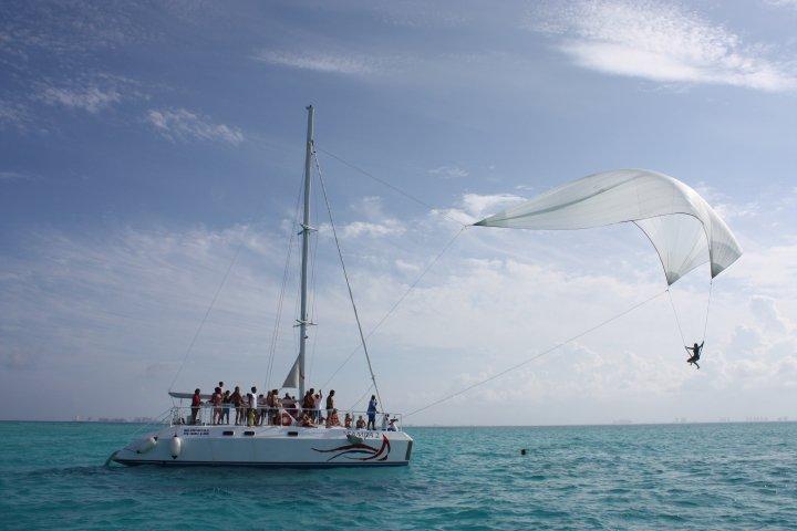 Isla-Mujeres-Trips-Snorkeling-Catamaran-Tour-1