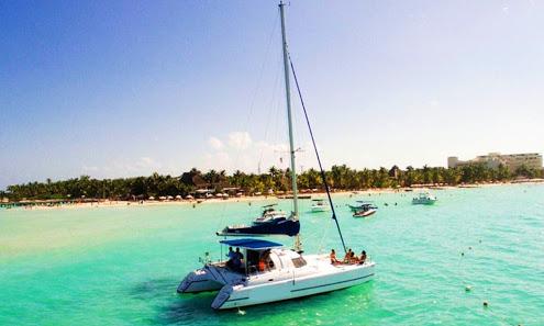 Isla-Mujeres-Trips-Snorkeling-Catamaran-Tour-4