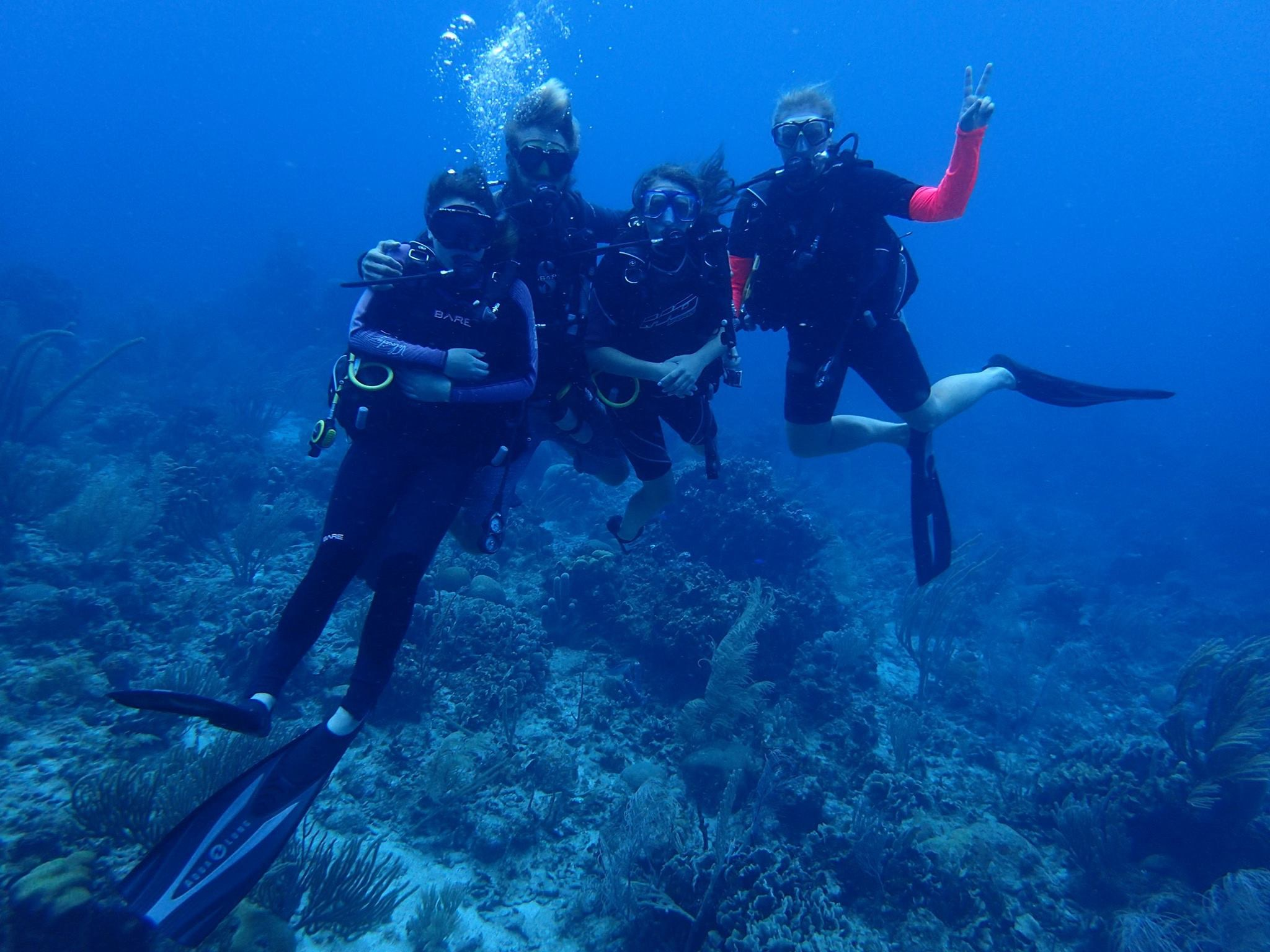 Ocean-connections-scuba-diving-roatan-1