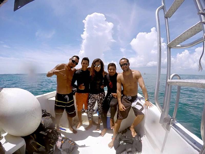 Isla Mujeres Sail Fish Snorkel Tour Squalo Adventures-1